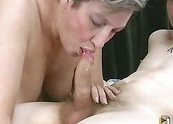 Sexy mom fucking a guy